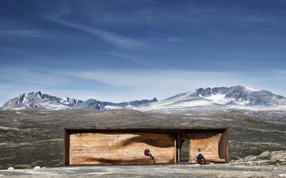 Tverrfjellhytta - Pozorovateľňa divokých sobov (3)