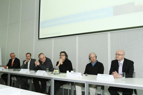 Panelová-diskusia