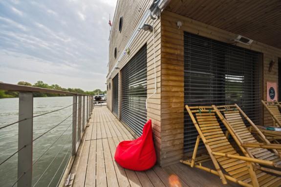 Houseboat_Komarno_ (13)