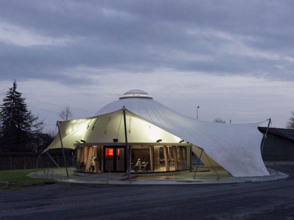 Slamený pavilón v Švajčiarsku, Werner Schmidt. Foto: Archív ateliéru W.Schmidta